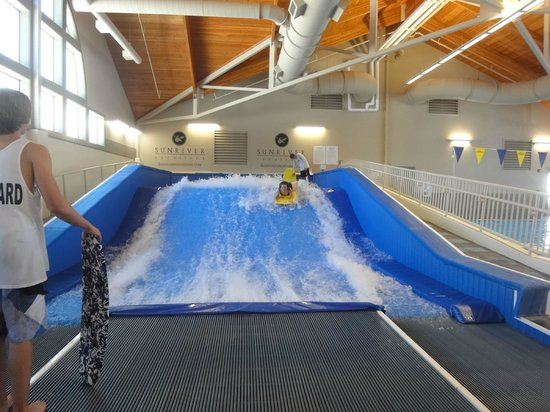 Sunriver, OR: Flowrider wave machine at Mavericks