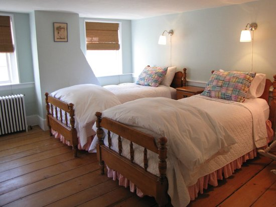Olde Orchard Inn: Mcintosh, with two beds