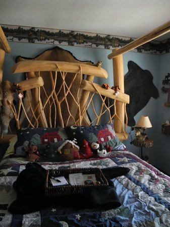 Lodge at Grant's Trail by Orlando's: The Alaska Room