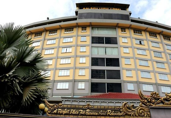 Golden View Hotel Batam: The main facade