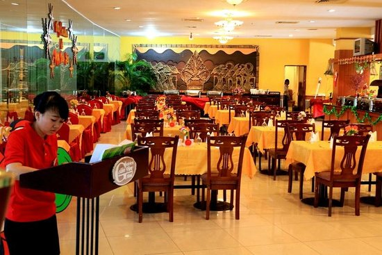 Golden View Hotel Batam: The hotel main restaurant