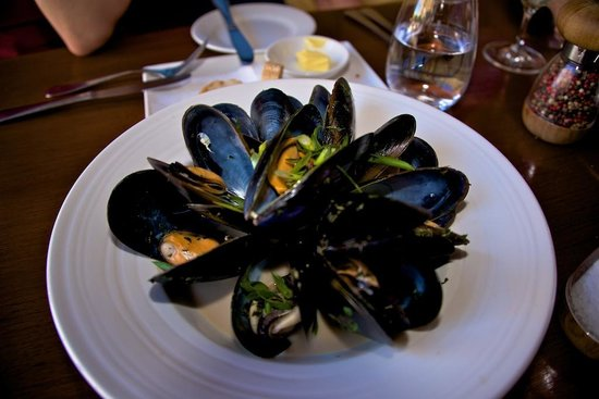 Richmond, Australia: Pittwater Mussels in White Wine Cream sauce