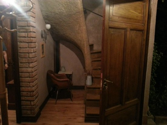 Casa Glebinias: Inside the house I stayed, stairs