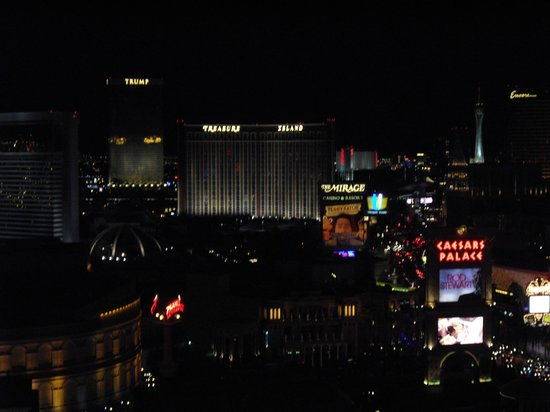 Caesars Palace: Vegas city lights
