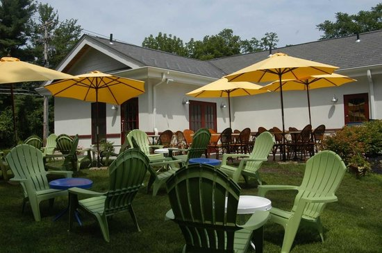 Palisades, NY: Summer Seating