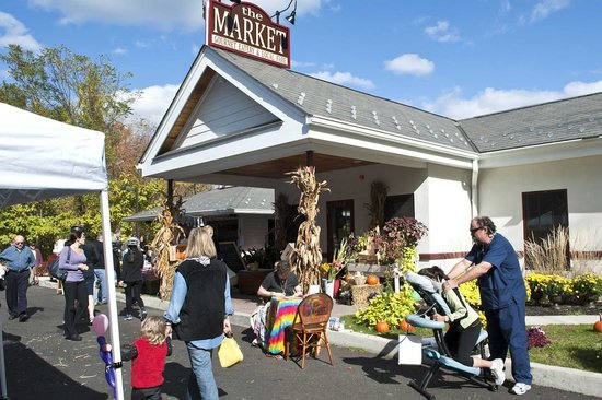 Palisades, NY: Oktoberfest at The MARKET