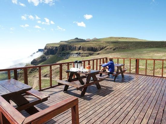 Sani Mountain Lodge deck