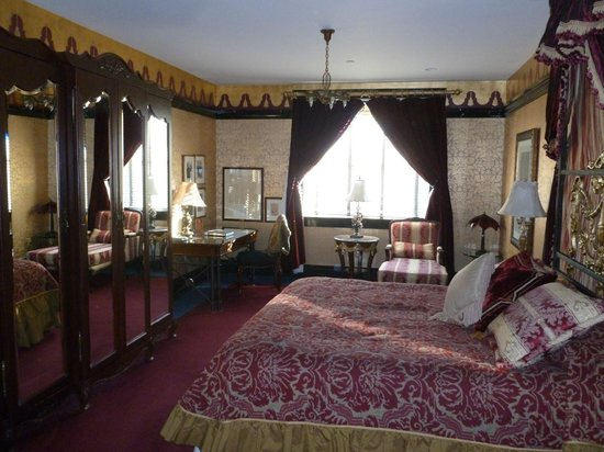 Hotel Pattee: The bedroom