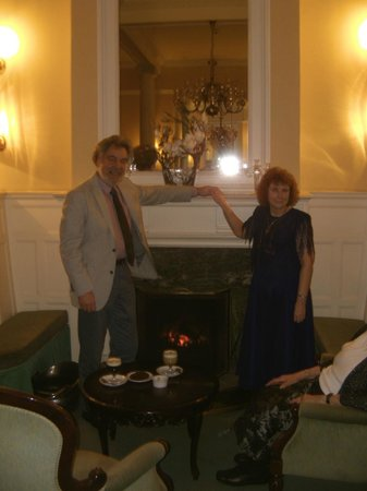The Ripon Spa Hotel: Hotel Lounge in front of the fire