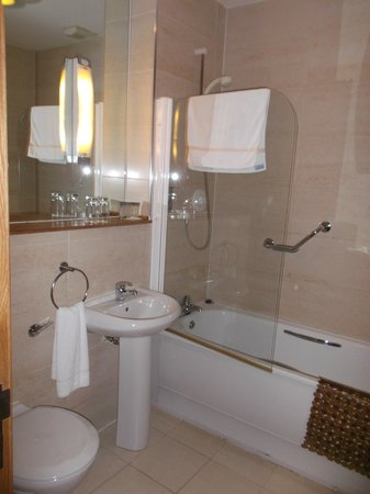 The Arches Hotel, Claregalway: Lovely Bathroom