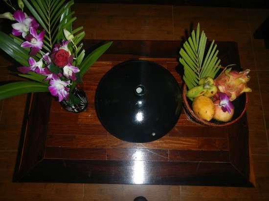 Angkor Pearl Hotel: welcome fruits
