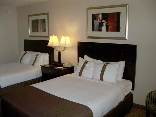 Holiday Inn Elmira Riverview: Double Beds