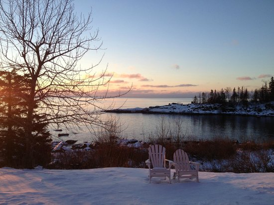 Cove Point Lodge: Beautiful Sunrise