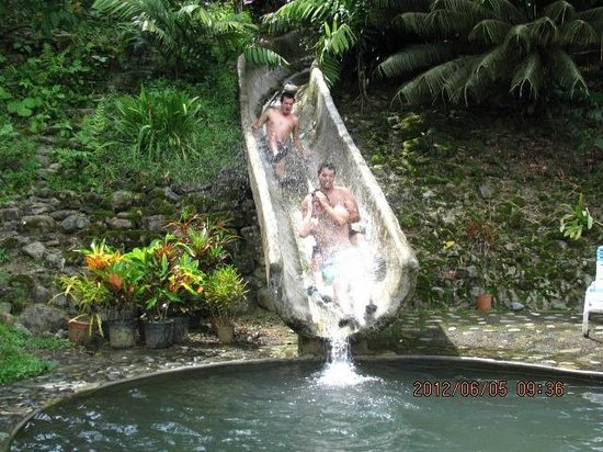 Rafiki Safari Lodge: Our boys on the super fast slide