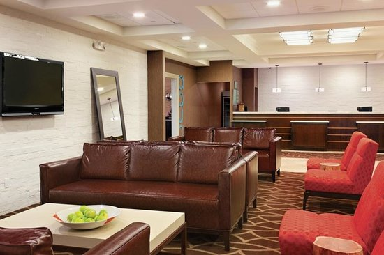DoubleTree by Hilton Hotel Tinton Falls - Eatontown