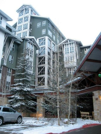 Marriott's MountainSide: Entry way to hotel