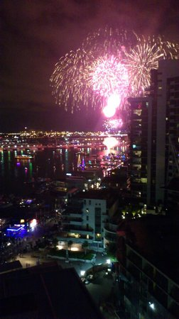 Grand Mercure Docklands: New Year's Eve fireworks from our balcony in the Conder block