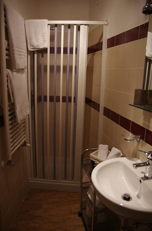 Terme di Traiano Bed and Breakfast: Salle de bain