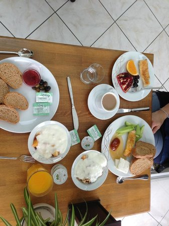 Hotel Niles Istanbul: Breakfast from buffet/you can eat how as much you want