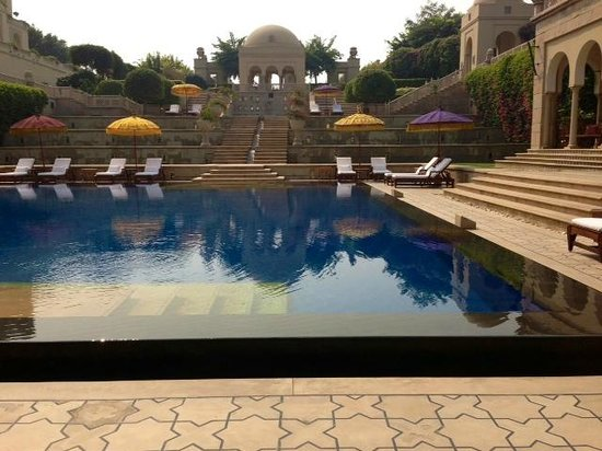 The Oberoi Amarvilas: Gorgeous Pool