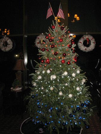 The Lodge at Gainesville: Red, white and blue Christmas tree