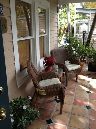 Andrews Inn and Garden Cottages: Roma porch