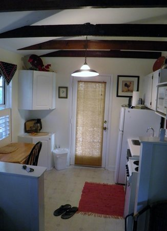 Jasmine House: kitchen area
