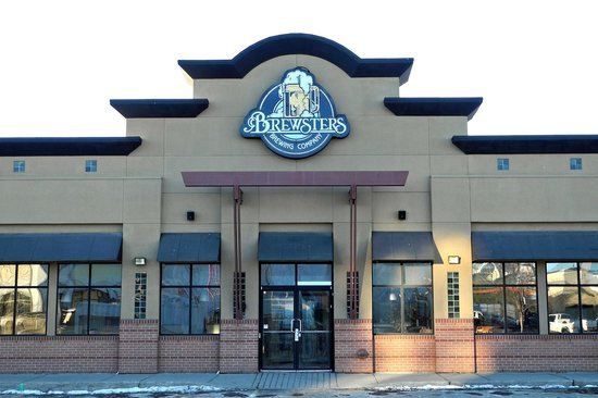 Brewsters brewing company restaurant crowfoot calgary for 28 crowfoot terrace nw