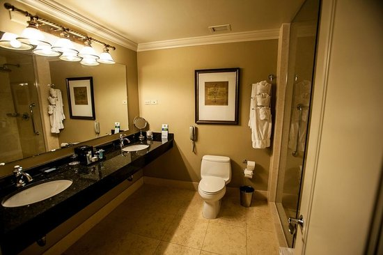 Nice and spacious guestroom picture of hotel blake for The blake hotel chicago