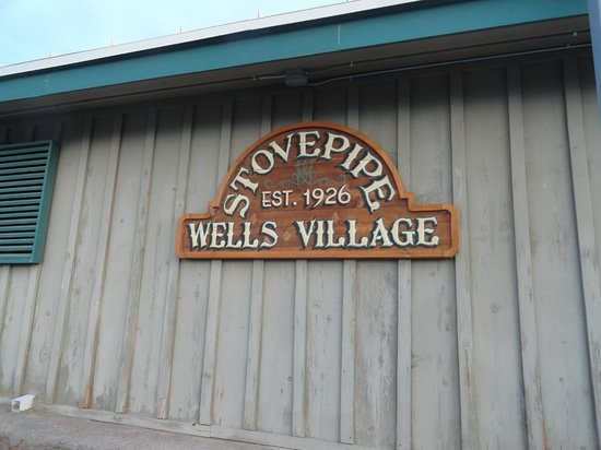 Stovepipe Wells Village: Sign