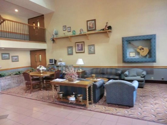 Comfort Inn at Thousand Hills: lobby area