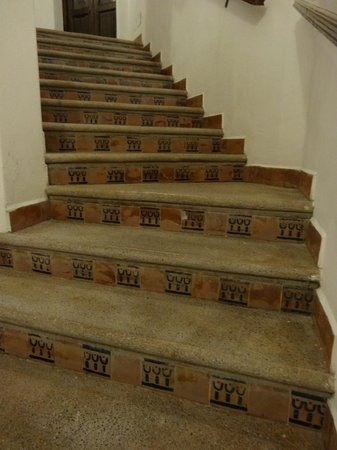 Hotel Real Guanajuato: Una delle rampe di scale di accesso alle stanze