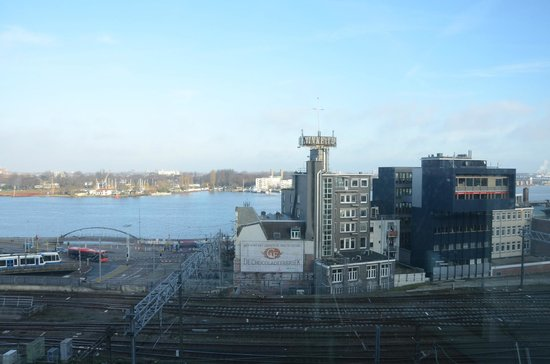 DoubleTree by Hilton Hotel Amsterdam Centraal Station: Room view