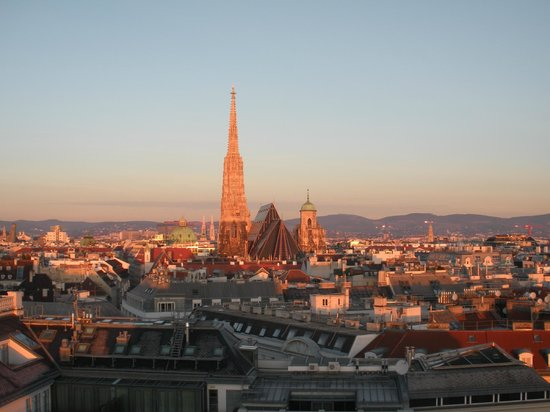 stephansdom at sunrise picture of hotel am parkring vienna tripadvisor. Black Bedroom Furniture Sets. Home Design Ideas