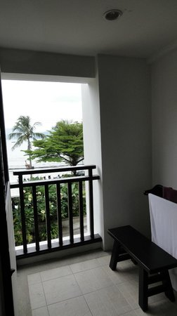 Avantika Boutique Hotel: Can this be called a balcony? Grand Deluxe