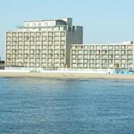 Quality Inn Boardwalk: An oceanfront hotel on the Ocean City boardwalk. We hope to see you soon.