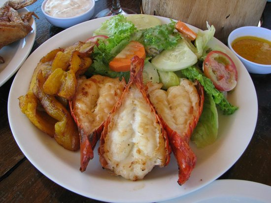 Buena Onda Beach Resort: Epic Lobster lunch at Buena Onda