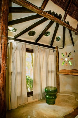 Roofless shower - la villa/duplex cabana - Picture of Shalala Hotel ...