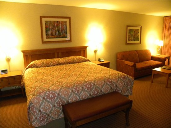 Olympic Lodge: Comfortable King bed