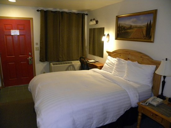 Anaco Inn: Our hotel room