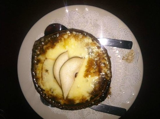 Putney Inn: The Baked Onion Apple Soup was heavenly.