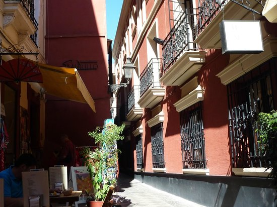 Hotel Murillo: outside of the hotel