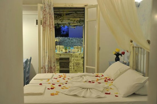 Room photo 4 from hotel Evi Rooms Hotel Alyki