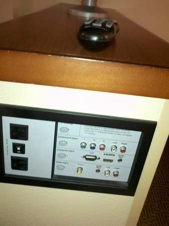 Hyatt Place Herndon / Dulles Airport - East: Nice AV panel