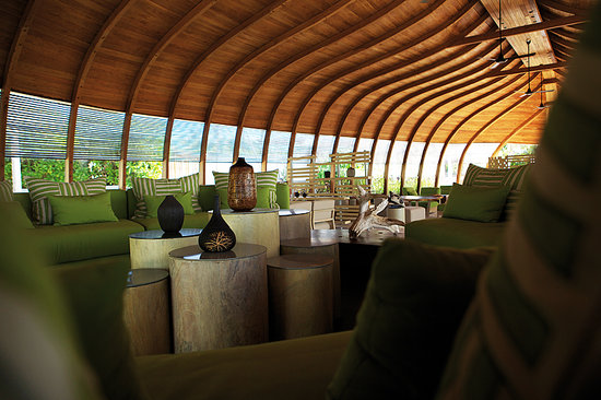 North Huvadhu (Gaafa Alifu) Atoll: The Dhoni interior