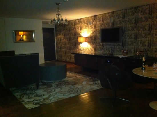 Soho House New York: Eingangsbereich, TV, Minibar....