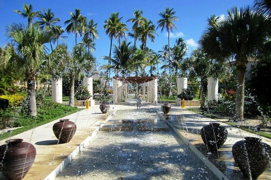 Now Larimar Punta Cana: Resort Grounds!