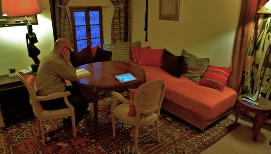 Riad Dar Oulhoum: chill out/TV room