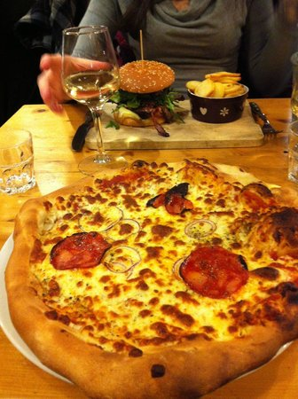 worst pizza in chamonix photo de la flambee chamonix. Black Bedroom Furniture Sets. Home Design Ideas