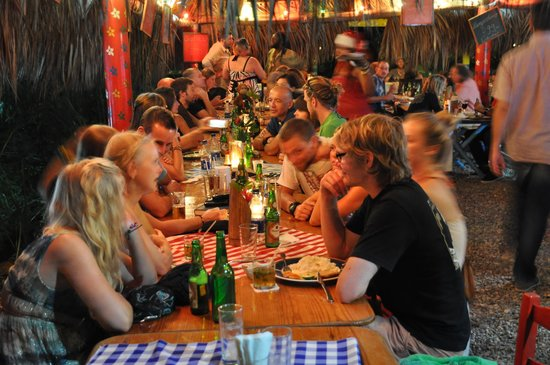 Cabarete Surfcamp: dinner @ camp